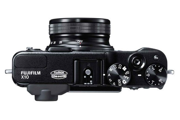 Review: Fujifilm X10