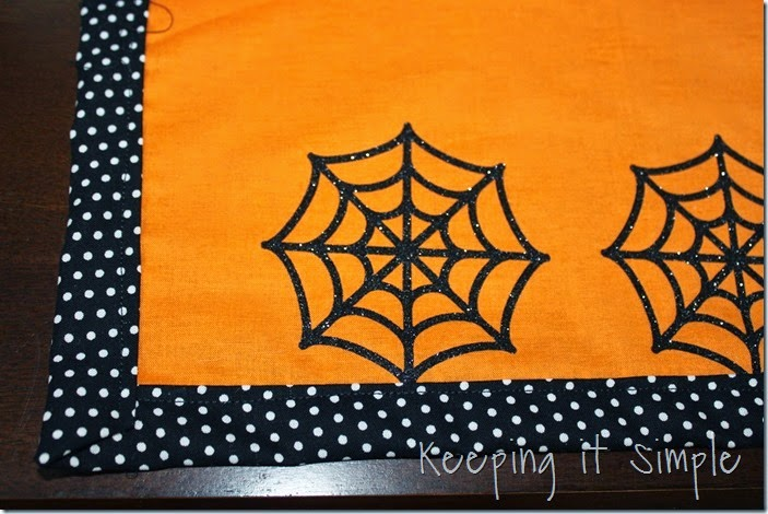 Halloween-spiderweb-table-runner (4)