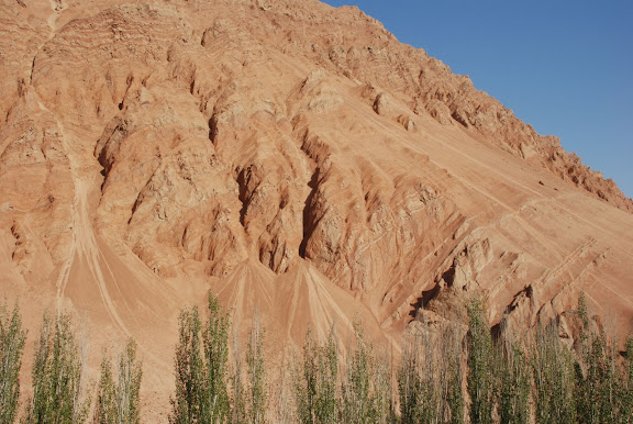 Flaming mountains - Montagnes 4