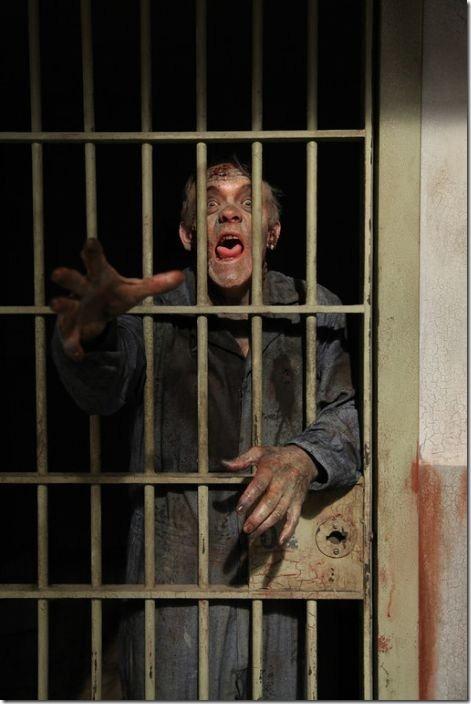 walking-dead-prison-set-21