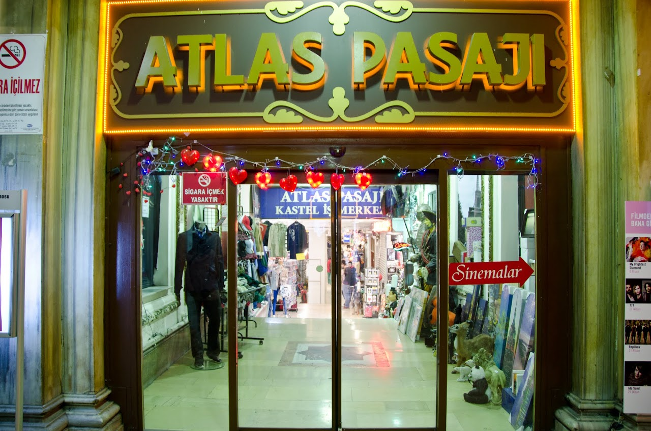 Atlas Pasaji Istlikal Street