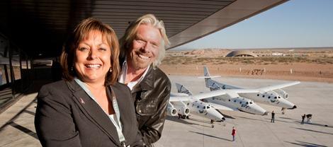 Sir Richard Branson y la gobernadora de Nuevo México Susana Martínez