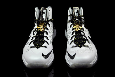 lebron10 ps elite white gold 41 web black The Showcase: Nike LeBron X P.S. Elite+ White & Gold