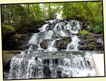 20q - Vogel SP -Trahlyta Lake & Waterfall Loop hike - falls below the dam