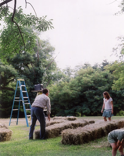 Arranging hay bales is just one of many ways to create an outdoor theater. (Martha Stewart Living, July 2005)