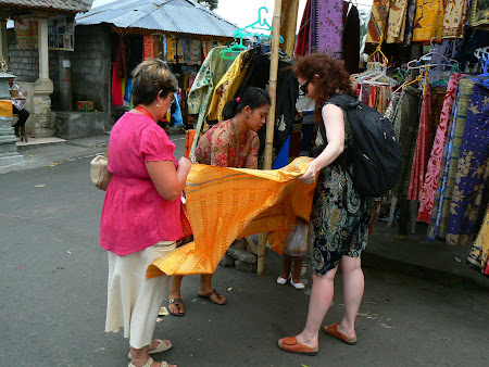 Bali photos: The sarong
