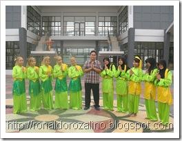 1.TARI JAMBAR-Pagelaran Karya Seni Tari III (PAKASERI III) Kelas XI IPA SMAN Pintar  2011 Berjalan Sukses dan Luar Biasa