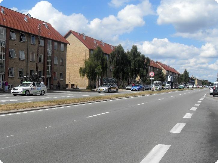 Post Danmark Rundt - biler med cykler på taget