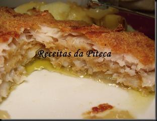 Filetes de peixe gato panados com queijo no forno-interiror