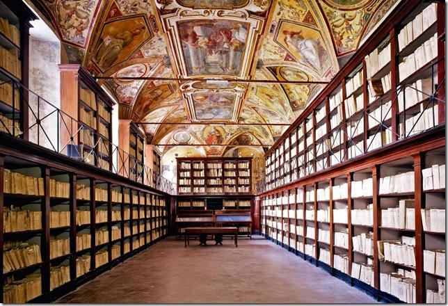 Candida Höfer - Archivio di Stato di Napoli, Sala del Capitolo del Monastero benedettino dei Santi Severino e Sossio, ora Sala del Catasto onciario