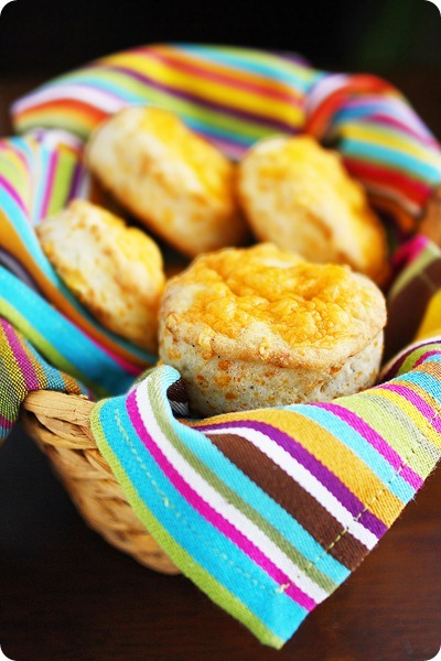 Fluffy Flaky Cheddar Biscuits
