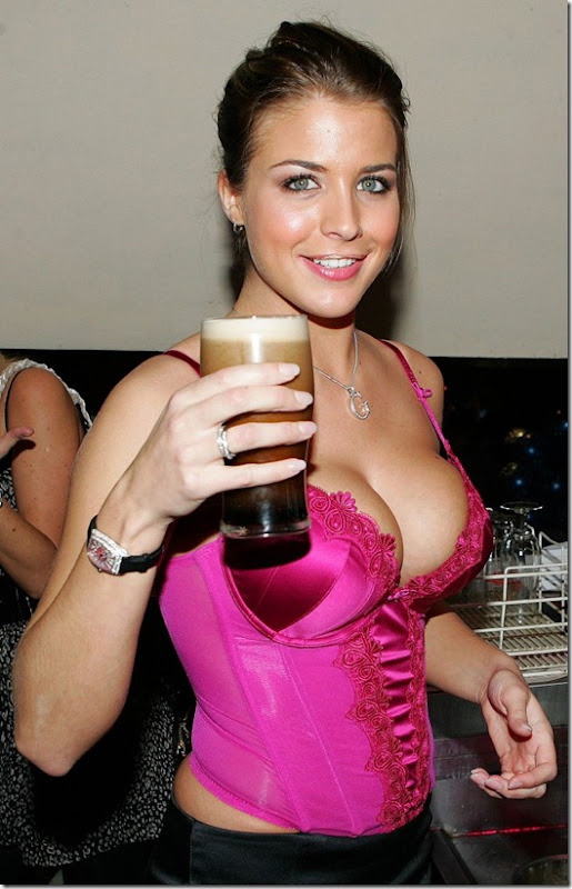 beer-drinking-girls-15