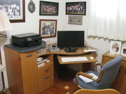 Dadopenshisnewcomputer-2-2012-08-14-21-55.jpg