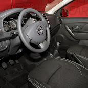 2013-Dacia-Sandero-6.jpg