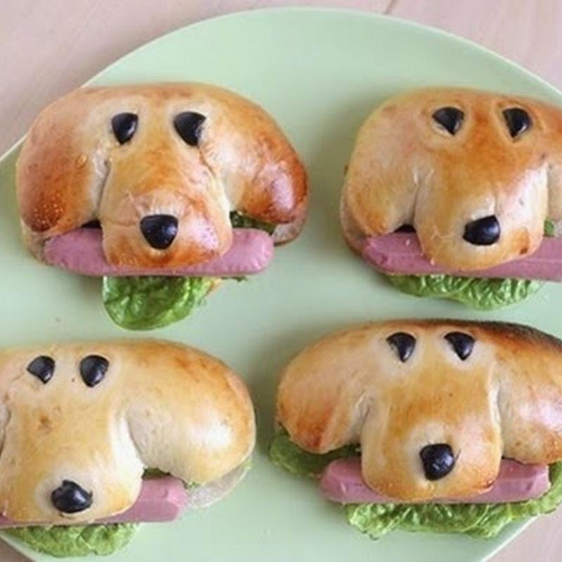 Χαριτωμένα μικρά σκυλιά χοτ-ντογκ
