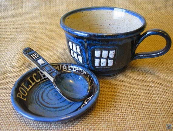 Doctor Who TARDIS Tea Cup Set from Dragonfly Arts