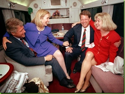 letting-loose-on-the-campaign-bus.jpg hillary and tipper