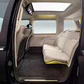 2013-Toyota-JPN-Taxi-concept-14.jpg