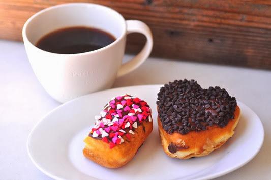 DD_Heart_donut_Coffee