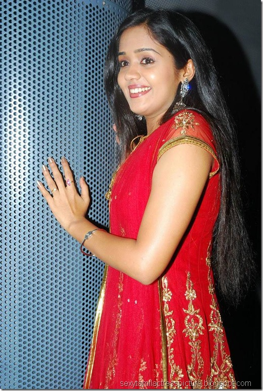 very-cute-ananya-stills-01