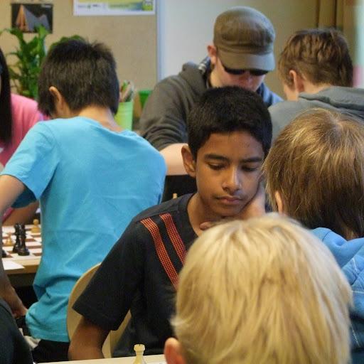 Aschmirthan fra Nordstrand sikret remis med sort mot Lars Oskar i 6. runde - den eneste som fraristet Oslomesteren poeng.