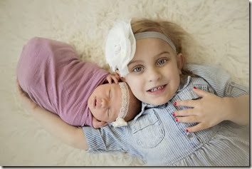 Newborn and Sibling Photo - Lindsey Dutra Photography