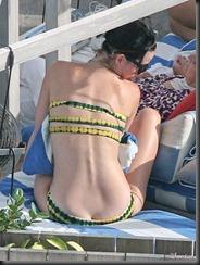 katy-perry-bikini-0729-31-675x900
