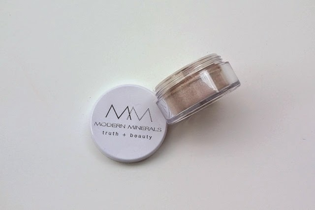 Modern Minerals Mineral Eye Shadow in Sakura