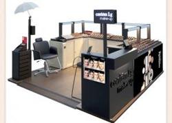 Contém1g Make-up inaugura quiosque no Shopping Estação.