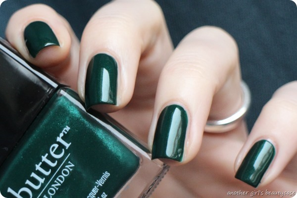 LFB Butter London British Racing Green Tannengruen Swatch (3 von 6)