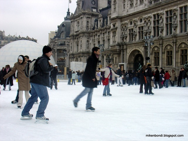 Hôtel-de-Ville - ice skating