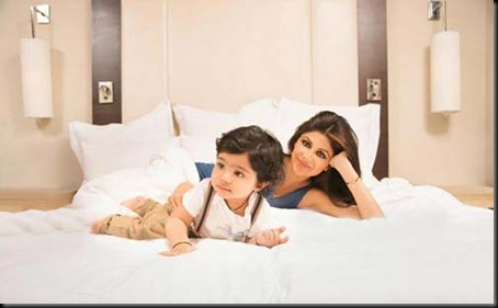 Shilpa-Shetty-photo-shoot-with-son-Viaan-for-Hello-magazine