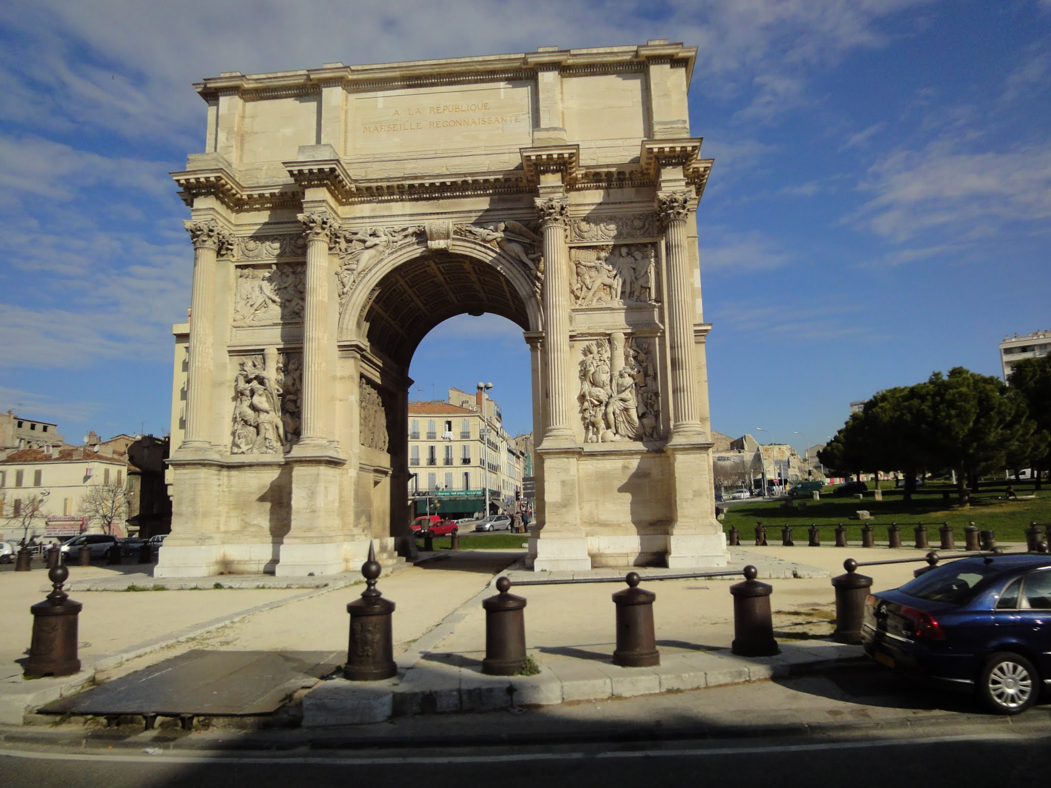 Arc de triomphe porte d aix nicolas79 voyages for Porte 4 marseille