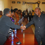 tn_PREZ MAHAMA WELCOMING GIFTY AFIENI DADZIE.JPG