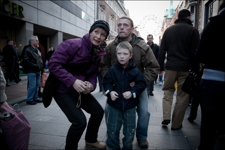 3/12/2011 -- ADV PHOTOJOURNALISM -- Henry Street is full of people, excitement and possible Christmas gifts these days. Henry Street, Dublin Ireland.  Photograph: Aleksander Szojda / DCU