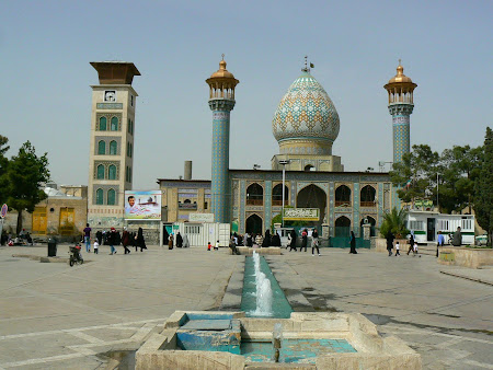 Things to see in Shiraz: The Nosir ol Molk Mosque