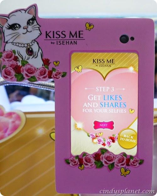 Kiss Me Selfie8