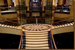 Fullerton Hotel Singapore, steps