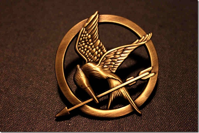 the_mockingjay_by_rob234111-d4rnfd3