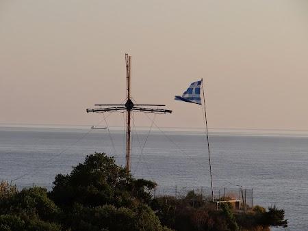 15. Cruce si steag grecesc.JPG