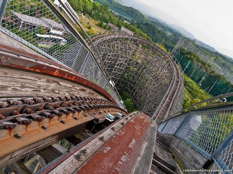 wooden-rollercoaster-5