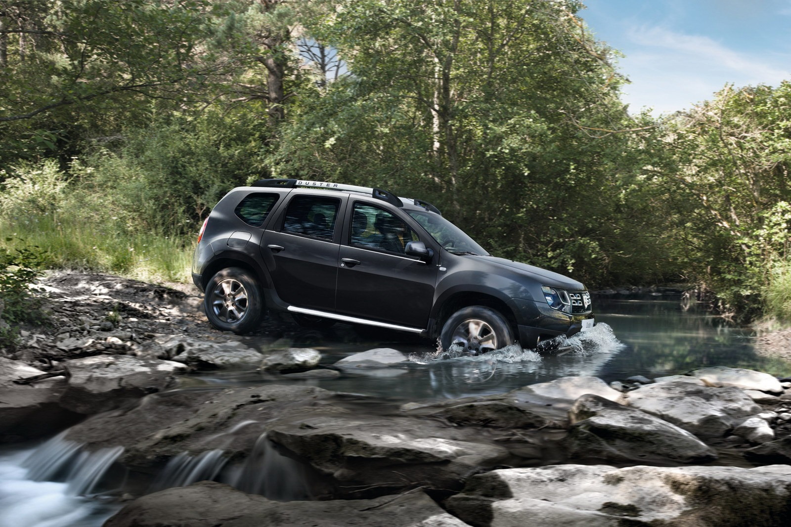 2012 - [Dacia] Duster restylé - Page 7 Dacia-Duster-facelift-7%25255B2%25255D