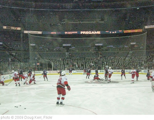 'Carolina Hurricanes vs. Columbus Blue Jackets' photo (c) 2009, Doug Kerr - license: https://creativecommons.org/licenses/by-sa/2.0/