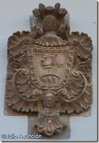 Mañeru - Escudo roncalés 2