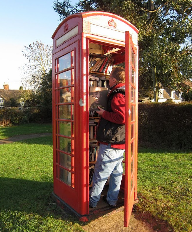 telephone-box-library-7