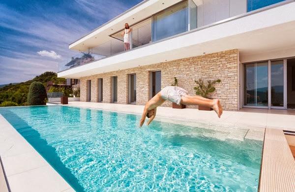 diseño-de-piscina-Casa-Lombardo-por-Philipp-Architekten