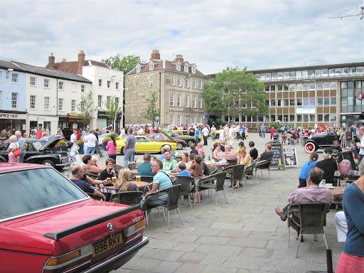 Classic cars at Warwick June