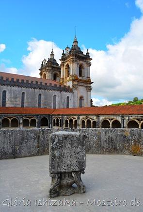 Glória Ishizaka - Mosteiro de Alcobaça - 2012 - 74 - claustro de D. Dinis