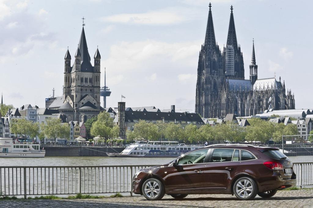 2013-Chevrolet-Cruze-Facelift-17.jpg?imgmax=1800