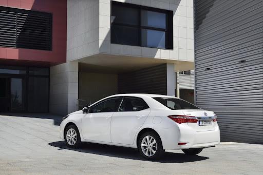 2014-Toyota-Corolla-29.jpg